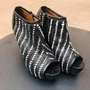Woven Leather Bootie ZARA Black White
